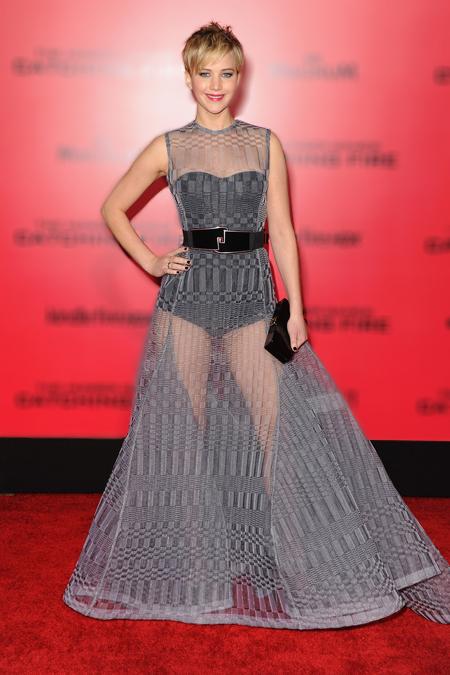 Yêu thích các mẫu váy của hãng Dior, Jennifer Lawrence