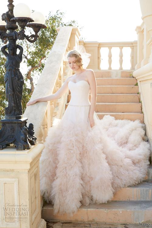 Váy cưới quây tôn dáng ngực đầy