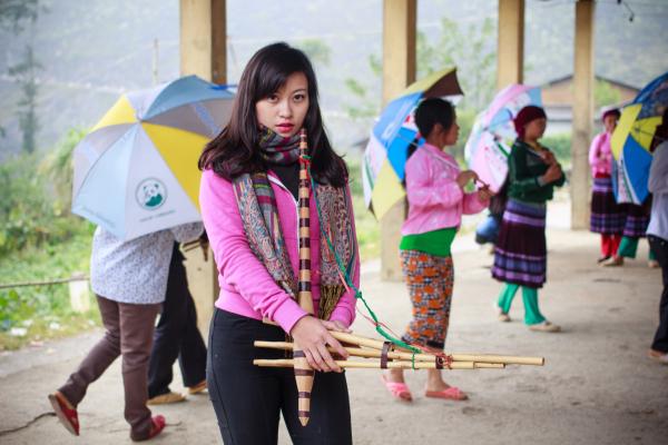 mua-khen-mong-cung-nguoi-dan-t-3013-5503