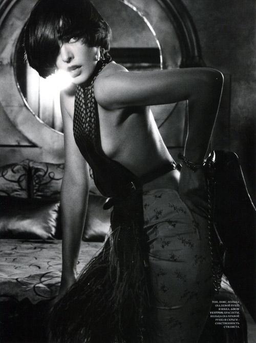 Milla-Jovovich2-6981-1385184402.jpg