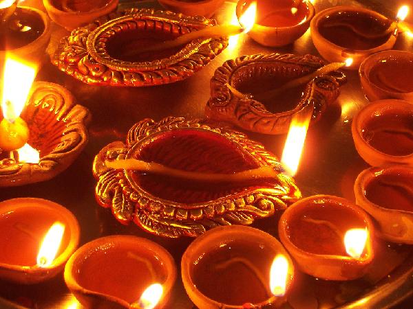 Diwali-Diya-4208-1385461805.jpg