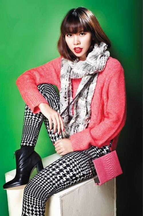 Siêu mẫu cũng không thể bỏ qua xu hướng hot nhất mùa Thu Đông 2013 là sắc hồng ngọt ngào