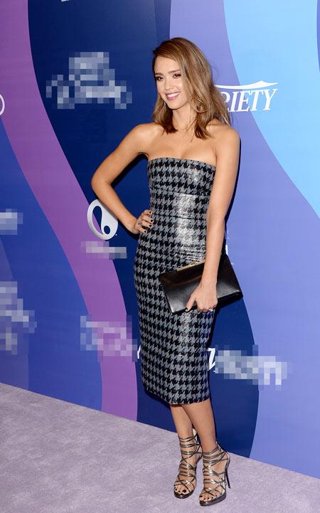 4-Jessica-Alba-in-Dior.jpg