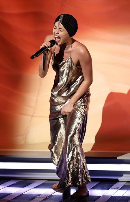 1-Miley-Cyrus-8728-1386915199.jpg