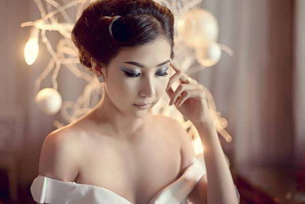 Make up cô dâu mầu nuy nhẹ nhàng mùa noel năm nay