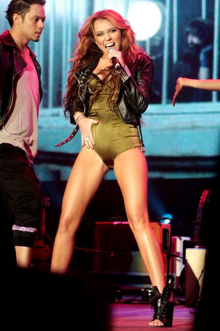 1-Miley-Cyrus-May-2010-7799-1386991448.j