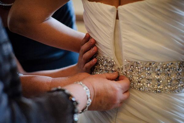 10 câu hỏi quan trọng khi mua váy cưới
