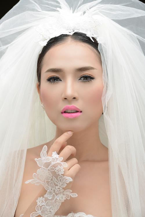 Cô dâu Thiên Thủy rực rỡ sắc màu xuân