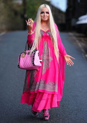 MEET-the-real-life-doll-who-sp-9328-5843