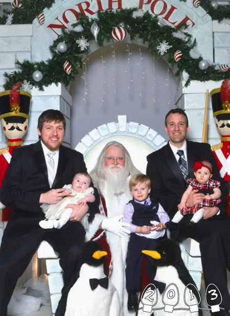 Mike và Martin cho biết, họ sẽ tiếp tục chụp những bức ảnh cùng ông già Noel trong những Giáng Sinh tiếp theo, và đương nhiên là không thể thiếu những đứa con