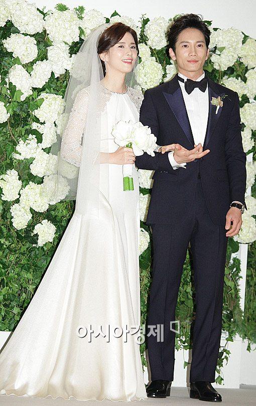 6 váy cưới nổi tiếng của sao Hàn - Trung năm 2013