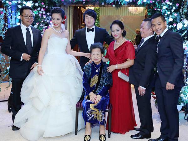 Đám cưới của ca sĩ - nhạc sĩ Thanh Bùi và cô dâuTrương Huệ Vân