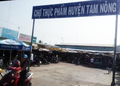 Chợ thực phẩm Tam Nông, nơi ông Cưng bị cướp.