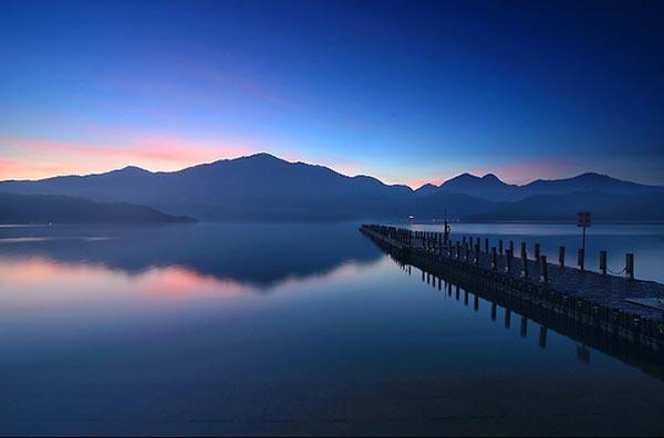 Sun-Moon-Lake1-7630-1388635963.jpg