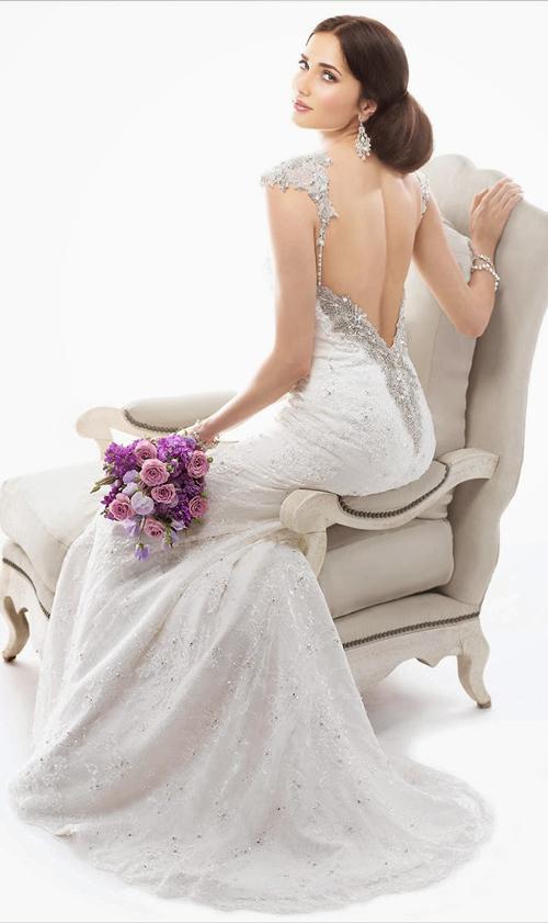 Váy cưới cổ điển vẫn hot năm 2014