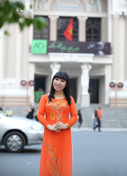 """Tháng 10/2013, bộ phim về hành trình tìm lại giới tính thật của cô giáo Quỳnh Trâm mang tên """"Đổi để thay đổi"""" đã được bình chọn là một trong 5 chương trình xuất sắc nhất và vinh dự nhận được bằng khen của Hiệp hội Phát thanh và Truyền hình châu Á - Thái Bình Dương."""