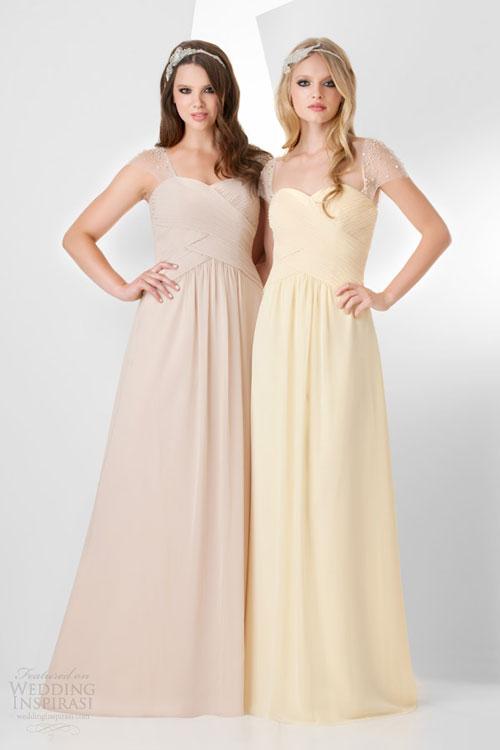 Váy phù dâu dáng dài cho mùa xuân hè