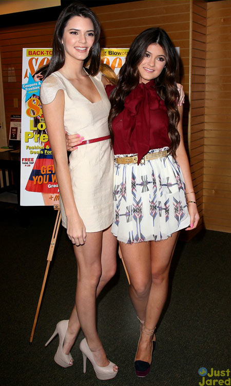5-Kendall-and-Kylie-Seventeen-6244-8038-