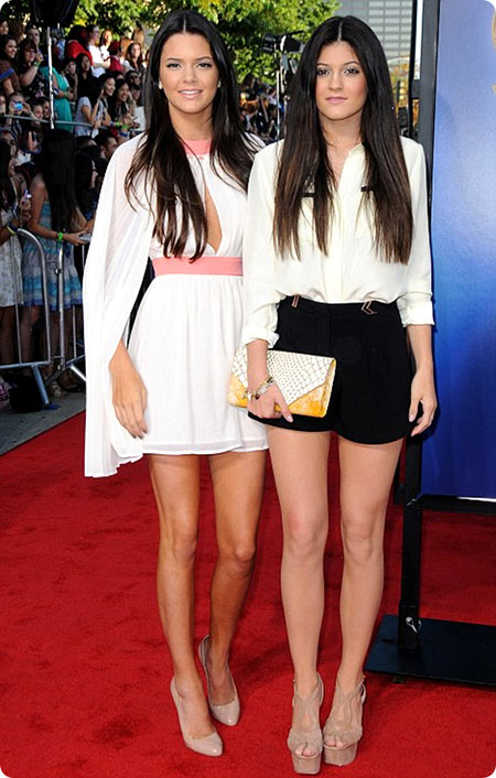 9-Kendall-and-Kylie-at-Glee-3476-1389940