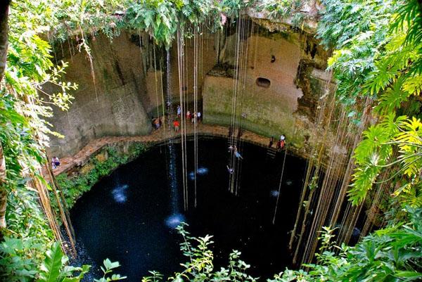 cenotes-mexico-2-2676-1390472079.jpg