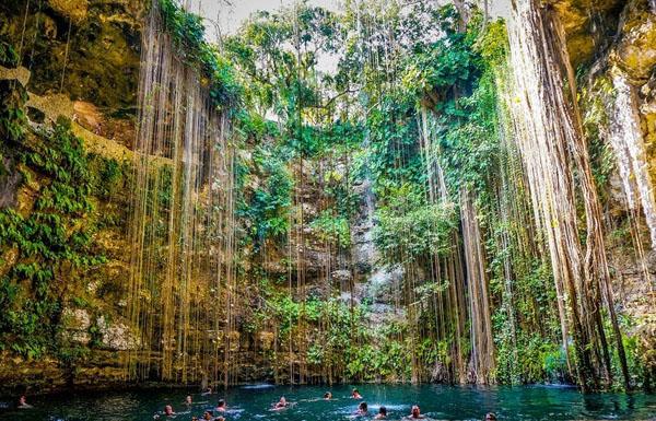 cenotes-mexico-4-4602-1390472079.jpg