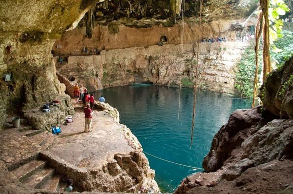 cenotes-mexico-6-5557-1390472079.jpg