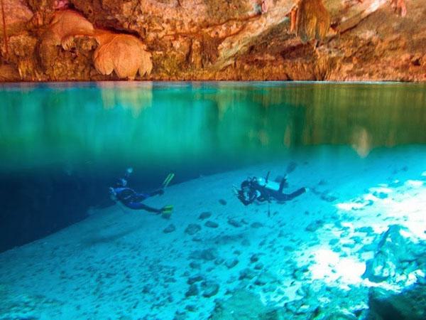 cenotes-mexico-8-4085-1390472079.jpg