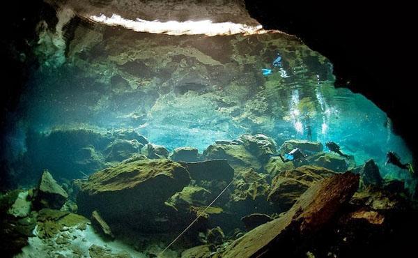 cenotes-mexico-9-2442-1390472079.jpg