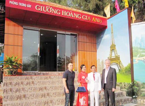 giuong-Hoang-gia-Anh-2-9191-1390788460.j