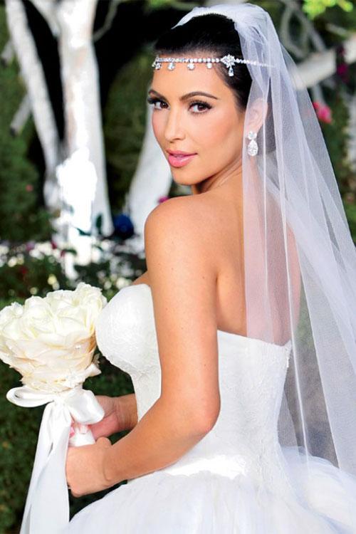 Kim-Kardashian-wedding-3136-1391762807.j