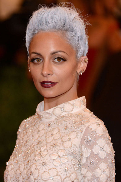 1-crazy-hair-nicole-richie.jpg