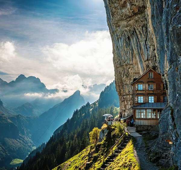 amazing-hotels-1-8659-1392440954.jpg