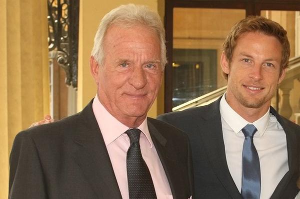Tháng trước, Jenson Button trải qua cú sốc lớn khi bố anh, ông John Button, đột ngột từ trần vì một cơn nhồi máu cơ tim.