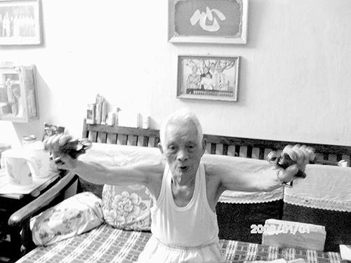 Ông Sơn đã phải lòng bà Thu từ cách đây 15 năm nhưng vì còn trách nhiệm với gia đình nên không thể đi theo tiếng gọi trái tim.