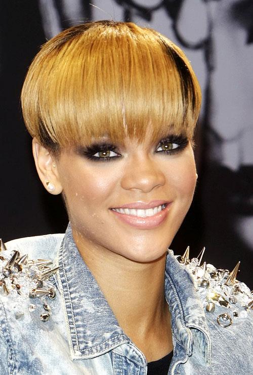 Rihanna4-7553-1393561394.jpg