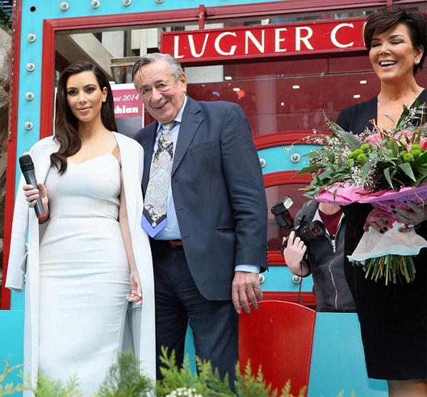 Kim được trả 500.000 USD để hẹn hò tỷ phú 81 tuổi  Người đẹp được tỷ phú Áo mời tới buổi khiêu vũ ở Vienna nhưng thái độ chảnh chọe của cô đã làm ông bực mình.