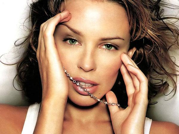 1-Kylie-Minogue-7730-1393646886.jpg