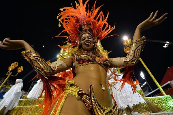 Lễ hội đường phố ở Sao Paulo, thành phố lớn nhất ở Brazil vừa khai mạc tối qua và sẽ kéo dài tới ngày 4/3.
