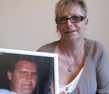 Pascale đã mất 20 tháng chờ đợi để được kết hôn với vị hôn phu quá cố.