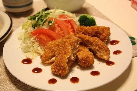 Là món gà chiên kiểu Nhật nhưng với một chút biến tấu, bạn đã có món ăn ngon dành cho gia đình với nguyên liệu dễ kiếm.