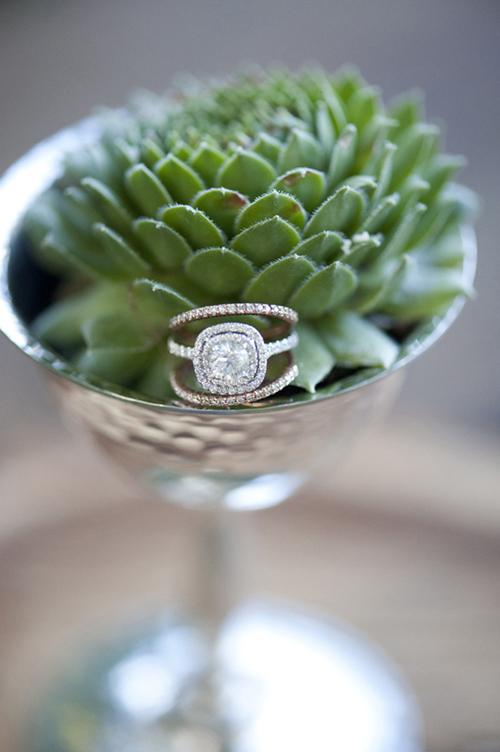 13 mẫu nhẫn đính hôn lấp lánh cho cô dâu