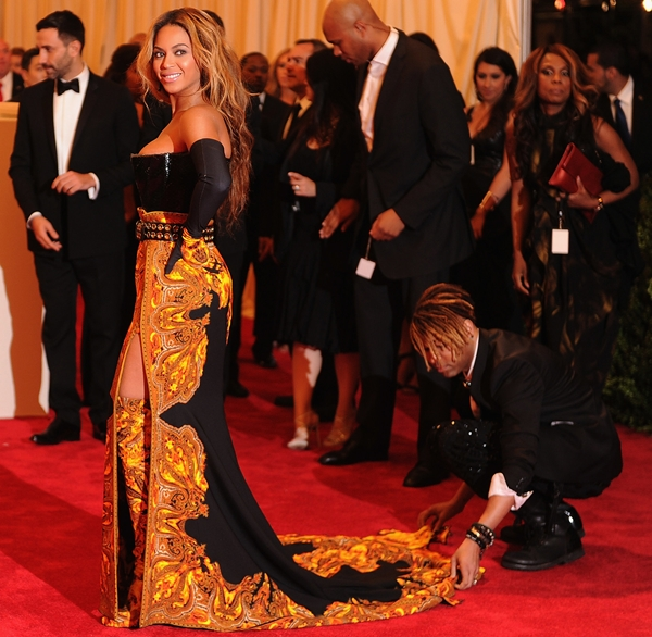 4-Beyonce-Givenchy-2013-Met-Ga-9023-2094