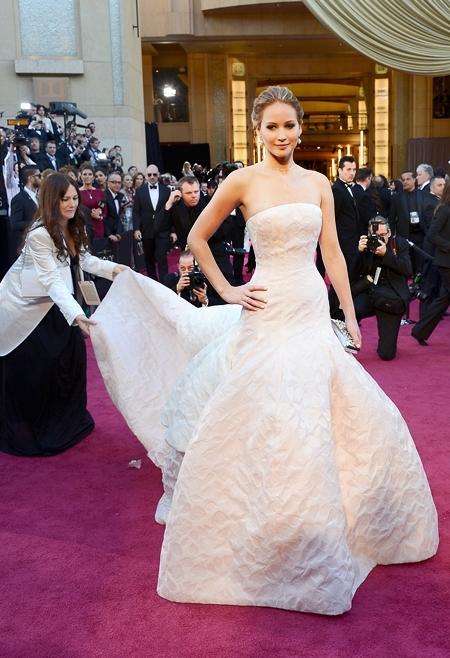 6-Jennifer-Lawrence-Dior-2013-3426-7783-