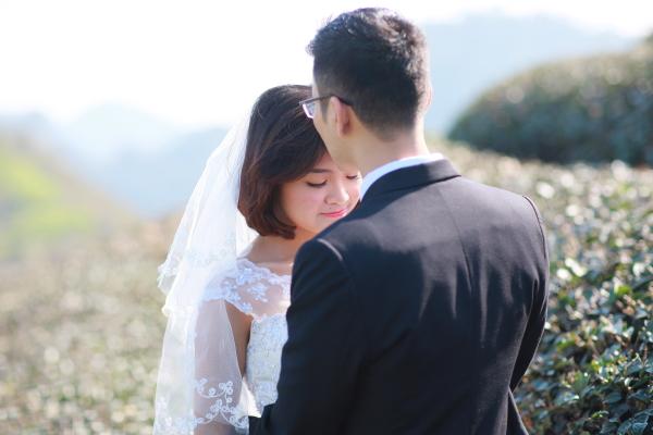 Hình ảnh lãng mạn trong ảnh cưới