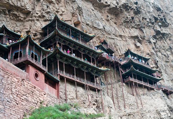 Ngôi chùa cheo leo vách núi ở Trung Quốc - hình ảnh 4