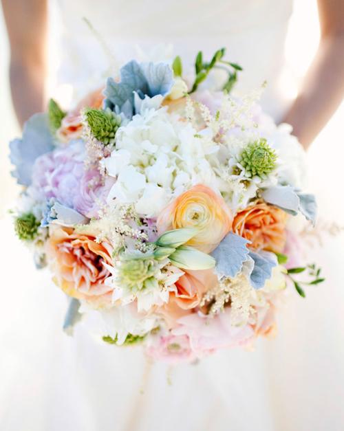 hoa cưới theo tông màu nhẹ nhàng