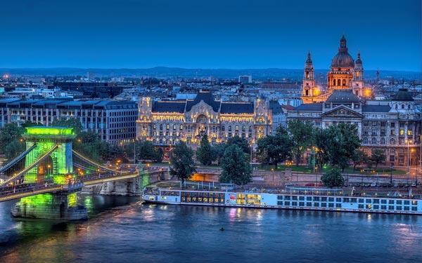 Budapest-8102-1394419423.jpg