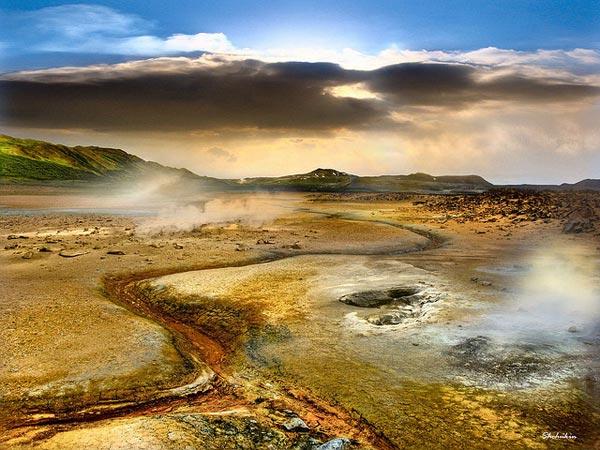 Hverir-Geothermal-region-8946-1394444733
