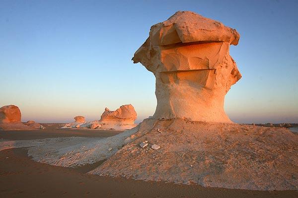White-desert-6514-1394444733.jpg