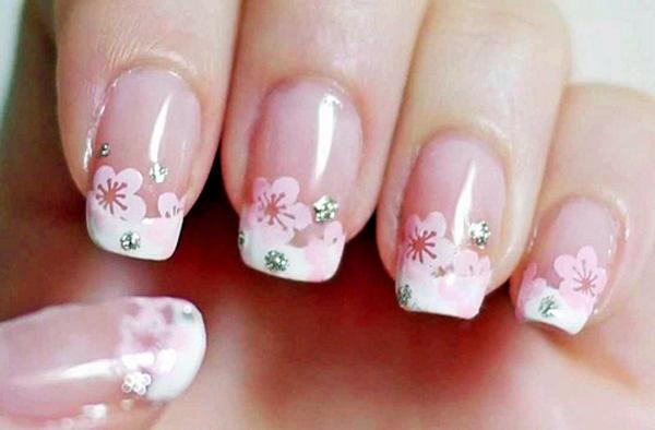 10 mẫu nail hoa xinh xắn cho nàng - hình ảnh 9